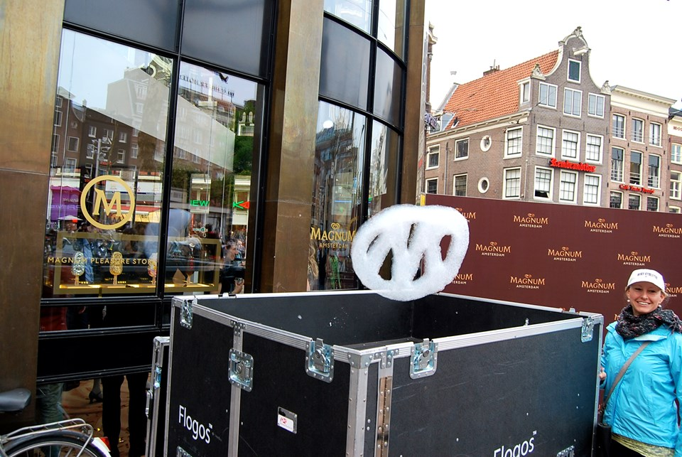 Opening magnum store amsterdam flogos for Magnum pop up store